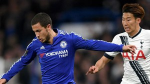 chelseas-eden-hazard-and-tottenham-hotspurs-son-heungmin-battle-for-picture-id611659378