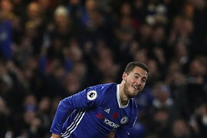 eden-hazard-of-chelsea-celebrates-scoring-his-teams-fourth-goal-the-picture-id621568456