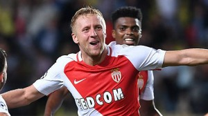 kamil-glik-of-as-monaco-fc-celebrates-after-scoring-the-equalizer-picture-id611680452