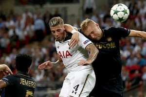 toby-alderweireld-of-tottenham-hotspur-scores-his-sides-first-goal-picture-id606024828